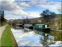 SE1537 : Leeds and Liverpool Canal, Gallows Bridge Moorings by David Dixon