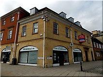SP4540 : Cox  & Robinson Pharmacy, Banbury by Jaggery