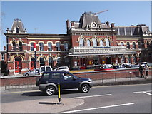 SU6400 : Portsmouth & Southsea Railway Station, Commercial Road, Portsmouth by Robin Sones