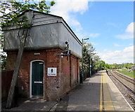 SU3521 : Gentlemen in name only at Romsey railway station by Jaggery