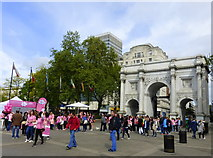 TQ2780 : Marble Arch, London by pam fray