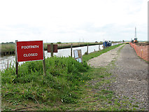 TM4599 : This footpath is currently closed by Evelyn Simak