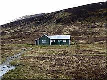 NN5276 : Culra bothy by John Lucas