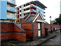 ST5872 : Old brick building and modern flats near Wapping Dockyard, Bristol by Jaggery