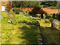 SP2872 : Change of level, St Nicholas Churchyard, Kenilworth by Robin Stott