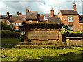 SP2872 : Chest tomb of Robert Draper, died 1841, St Nicholas Churchyard, Kenilworth by Robin Stott