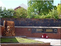 ST3188 : World War I Memorial, Stow Hill, Newport by Robin Drayton