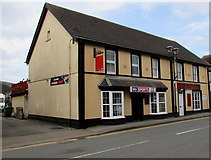 SN1916 : The Tâf Hotel and  Drovers Bar , Whitland by Jaggery