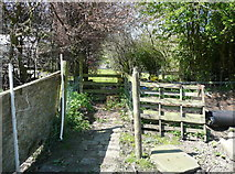 SE0722 : Stile on Sowerby Bridge FP81 at Green Head, Norland by Humphrey Bolton