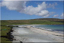 HP6202 : Easting beach from the south by Mike Pennington