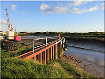 TA0623 : The Quay, Barrow Haven by Jonathan Thacker