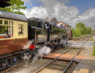 SD7916 : 80080 Leaving Ramsbottom by David Dixon