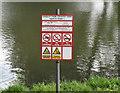 TQ0081 : Safety notice, Langley Park lake by David Hawgood