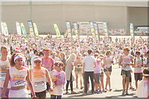 TQ1985 : View of Colour Runners gathering for the colour throw #2 by Robert Lamb