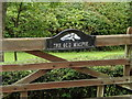 TM1280 : The Old Magpie sign by Adrian Cable