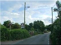 TR2648 : Eythorne Road, Shepherdswell by Chris Whippet