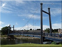 SX9192 : Footbridge over The River Exe by Neil Theasby