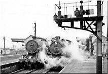 SU5290 : Smokey, wintry scene at Didcot station, 1957 by Ben Brooksbank