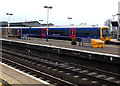 SU5290 : First Great Western train at platform 4, Didcot Parkway railway station by Jaggery