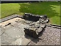 NS5472 : Bearsden Roman Bath-house: latrine by Lairich Rig