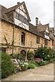ST9168 : The Tudor Courtyard by Ian Capper