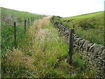SE0322 : Waymark post on Sowerby Bridge FP140 (Link C) by Humphrey Bolton