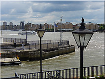 TQ3680 : River Thames, Limehouse by Stephen McKay