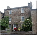 SE0399 : Three-storey cottage, Silver Street, Reeth by Bill Harrison