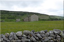 SD9771 : Barn by Conistone Lane, south of Kettlewell by David Smith