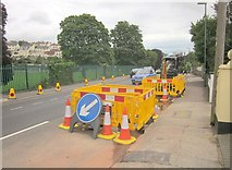 SX9065 : Roadworks, Cricketfield Road, Torquay by Derek Harper