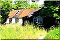 NG2547 : Old shed in Dunvegan by Tiger