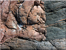 NH7762 : Geological Disconformity by Julian Paren