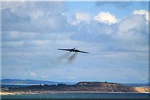 SZ1090 : Bournemouth Air Festival 2015 - approaching Vulcan, the final farewell by Mike Searle