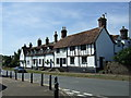 TL0835 : Cottages on High Street, Silsoe by JThomas