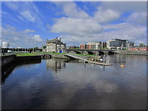 R5757 : Limerick - Lock by Sarsfield Bridge & R Shannon by Colin Park