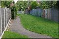 TQ0867 : Walkway, Shepperton by Alan Hunt