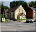 SO8602 : Old Chapel, London Road, Brimscombe by Jaggery