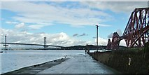 NT1378 : The Hawes Pier, South Queensferry by Peter Evans