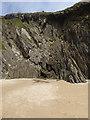 V3198 : Cliffs behind Coumeenoole Beach by Oliver Dixon