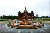 NS6064 : Glasgow Green, the Doulton Fountain [2] by Robert Murray