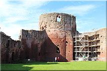 NS6859 : The Donjon, Bothwell Castle by Billy McCrorie