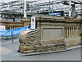 NT2573 : Stonework in Waverley railway station by Thomas Nugent