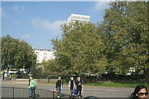 TQ2780 : View of Marble Arch Tower from Cumberland Gate #2 by Robert Lamb