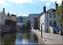 SP0686 : Birmingham & Fazeley Canal in Birmingham by Mat Fascione
