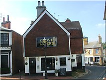 TQ5838 : Grove Tavern, Tunbridge Wells by Chris Whippet