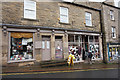 NY7146 : Mellow Yellow on Front Street, Alston by Ian S