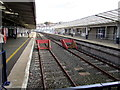 SX4755 : Buffer stops at Plymouth railway station by Jaggery