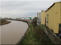 TA1031 : Footpath by the River Hull by Jonathan Thacker