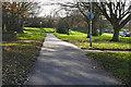 SU8668 : Walkway to Wildridings shops, Bracknell by Alan Hunt