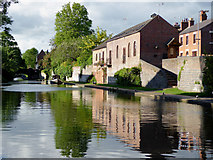 SO8171 : Staffordshire and Worcestershire Canal at Stourport, Worcestershire by Roger  Kidd
